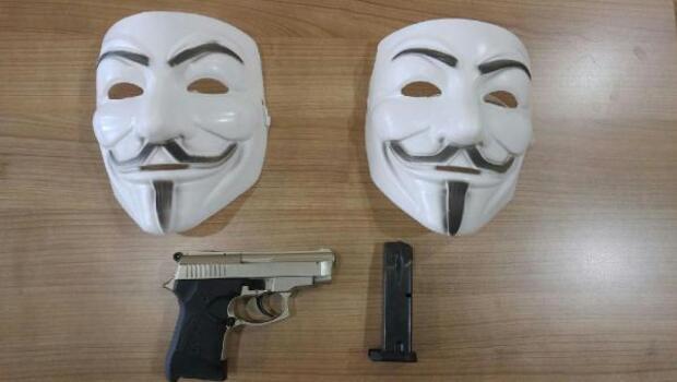 Bursada V for Vendetta operasyonu