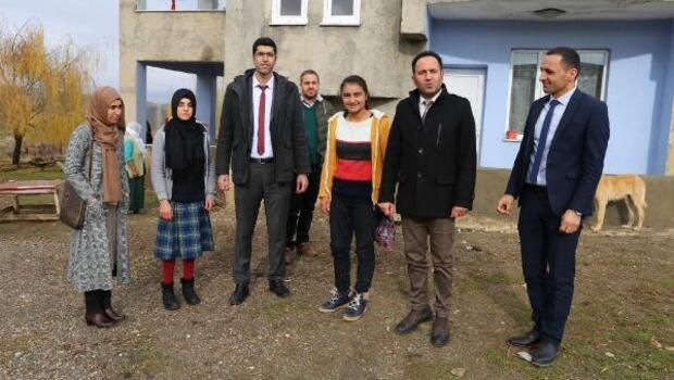 Varto Haberleri: Varto'da aileleri ikna edilen kız çocukları, okula başladı 65