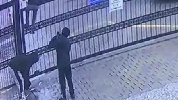 Ordu Haberleri: Otomatik kapı açılınca üzerinden geçen çocuk düşme tehlikesi geçirdi
