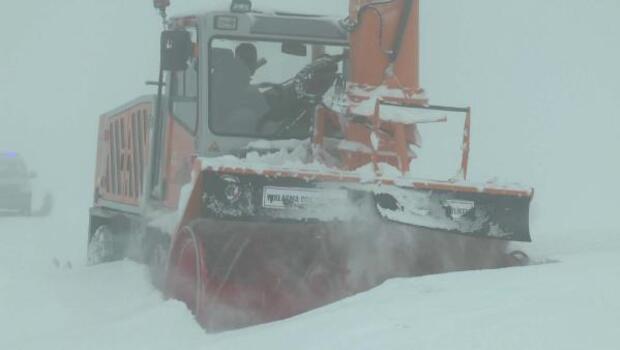 Varto Haberleri: Vartoda 3 metrelik kardan adama ilgi 11