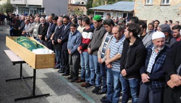 Hakan Çalhanoğlunun babaannesi Bayburt'ta toprağa verildi