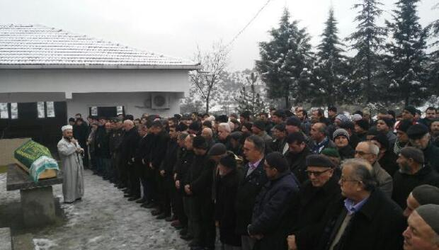 Sinopta yolcu otobüsü şarampole yuvarlandı; 4 ölü, 27 yaralı (3)