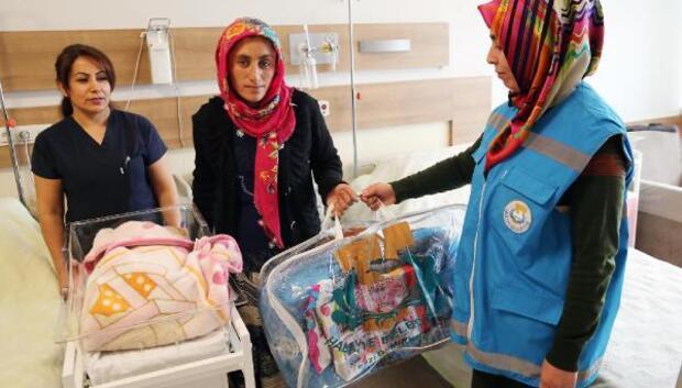 Haliliye'de 3500 bebeğe hediye