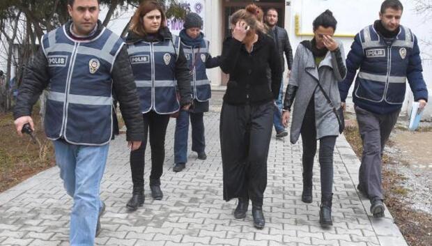 Hırsızlık şüphelisi 3 kadın otobüste yakalandı