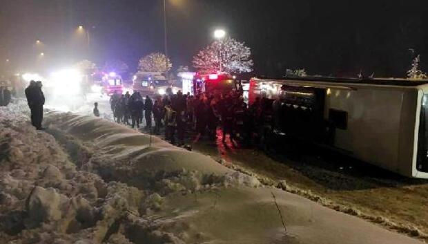 Bartında yolcu otobüsü devrildi: 2 ölü, 6 yaralı