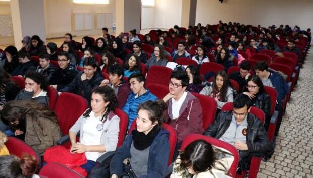 Burdur emniyetinden gençlere konferans