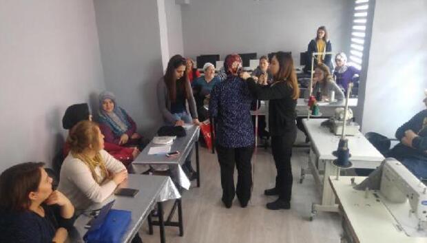 Lüleburgaz'da moda tasarım ve dikiş kursu açıldı