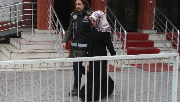 Boluda FETÖnün dernek ablası tutuklandı (2)