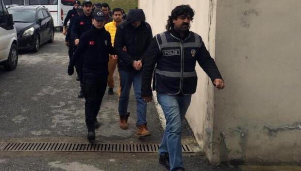 Sakaryada kamu hastanelerindeki tek endokrinoloji uzmanı FETÖden gözaltına alındı