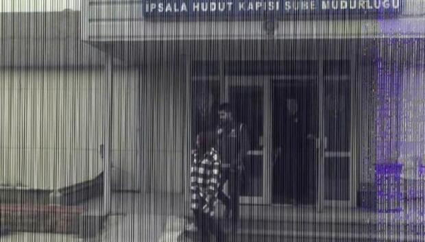 FETÖcüleri Yunanistana kaçıran şebekeyi pasaport ele verdi