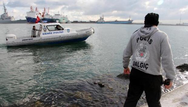 Emekli polisin iki gündür kayıp olan eşi denizde arandı