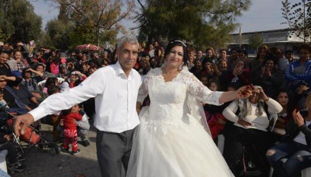 28 yıl sonra düğün yaptılar