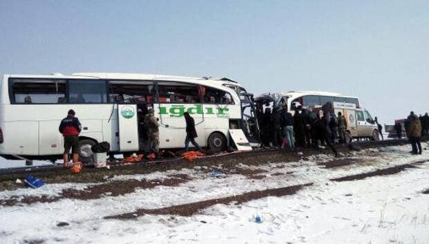 Iğdırda yolcu otobüsleri çarpıştı: 8 ölü / Ek fotoğraflar