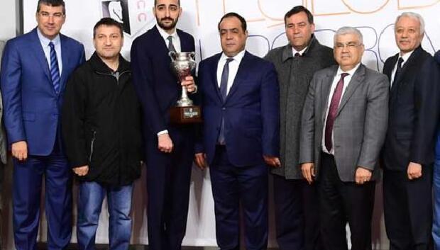 Adana Büyükşehir Belediye koşusunu Mister Strong kazandı