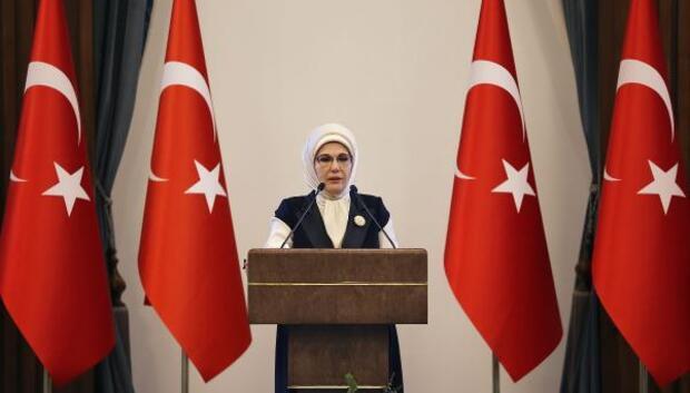 Emine Erdoğan, Suriyeli kadınlar ile buluştu (1)