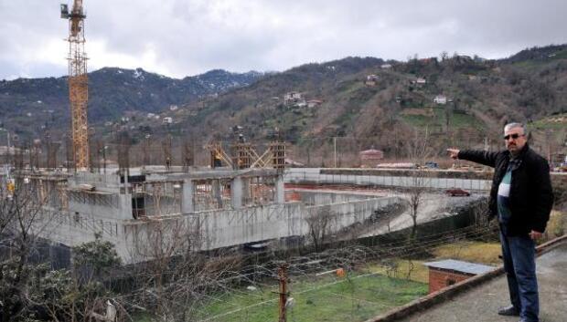 HES inşaatı yanında hasar gören evler için DSİden yanıt; HES zarar vermedi