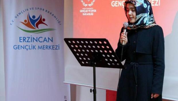 Erzincan'da şiir okuma yarışması