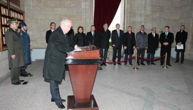 DHA ANKARA - Yeni TÜSİAD yönetimi Anıtkabiri ziyaret etti