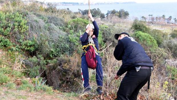 İndiği mağarada mahsur kalan kız öğrenciyi itfaiye kurtardı