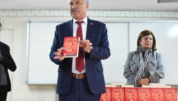 Seyhan, 30 bin Nutuk dağıttı