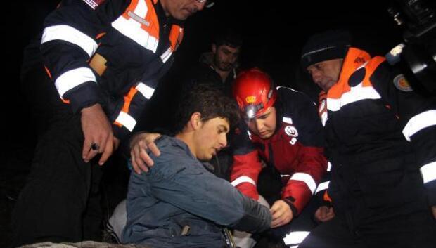 Erciyes Dağında mahsur kalan genç 6 saatte kurtarıldı