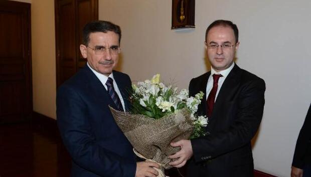 Vergi rekortmeni Ankaralı iş adamları, teşekkür belgelerini Vali Topacadan aldı