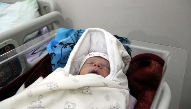 Yeni doğan çocuğuna, Ömer Halis ismini verdi