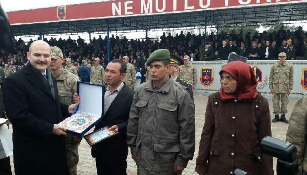 İçişleri Bakanı Soylu, erlerin yemin törenine katıldı