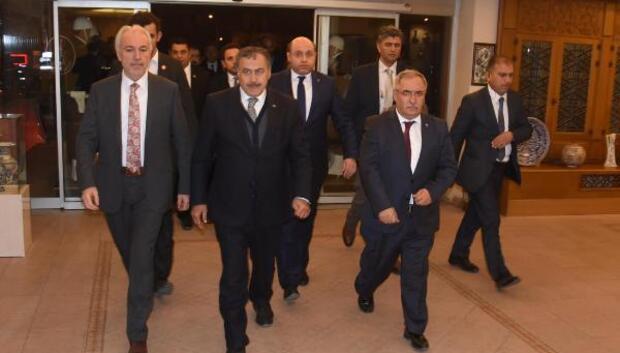 Bakan Eroğlu, Simavda anayasa değişikliğini anlattı (4)