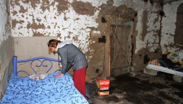 Koca şiddetinden kaçtı, barakada yaşıyor