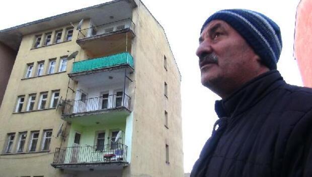 Karsta 2 kardeş ile polisi elektrik çarptı