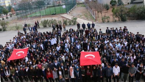 670 öğrenci hep birlikte Çanakkale türküsü söyledi