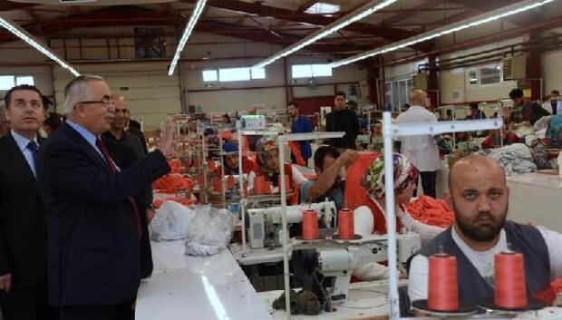 Vali Can, Niksarda tekstil fabrikalarını gezdi