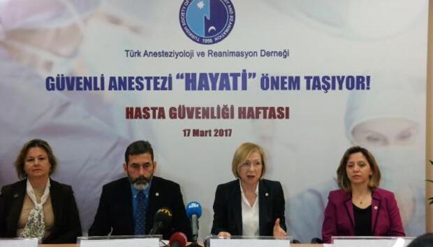 """Prof. Dr. Hülya Bilgin, """"Bitkisel takviyeler de anestezi doktoruna bildirilmeli"""""""