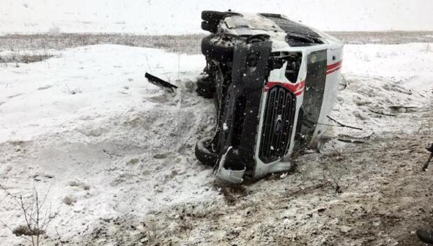 Kadın futbol takımının minibüsü kaza yaptı: 14ü futbolcu 18 kişi yaralandı