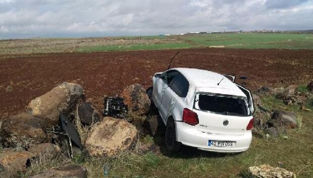 Devrilen otomobilin sürücüsü hakime yaralandı
