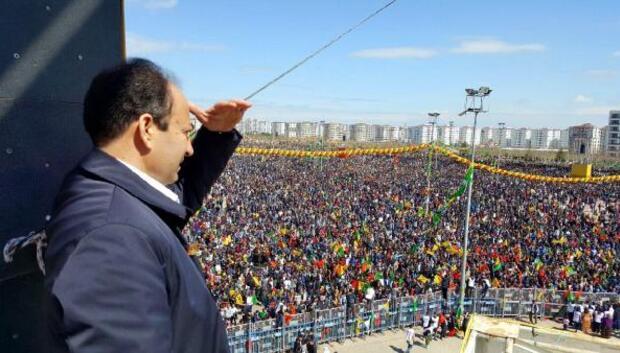 Diyarbakırda nevruz alanına bıçakla girmek isteyen 1 kişi vuruldu: - ek fotoğraf