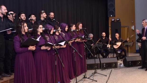 Çalmaşur yönetimindeki korodan Kahramanlık Türküleri