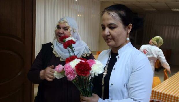 Sağlık çalışanlarından huzurevi ziyareti