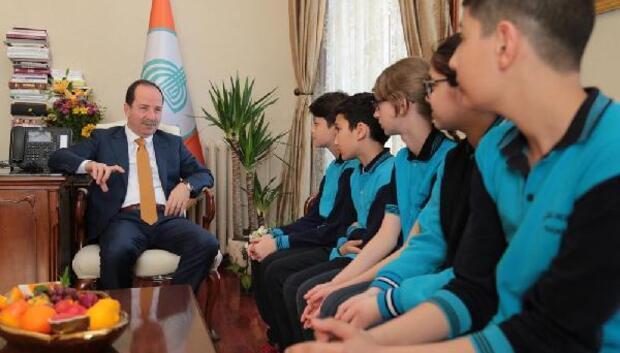 Öğrenciler Belediye Başkanı Gürkan'ı ziyaret etti