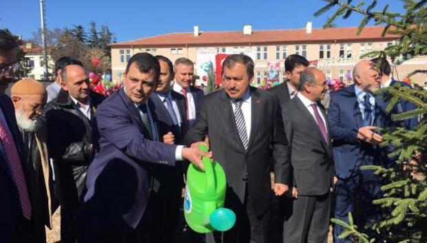 Bakan Eroğlu: Bazı ülkelerde PKKya özel silah üreten fabrikalar var