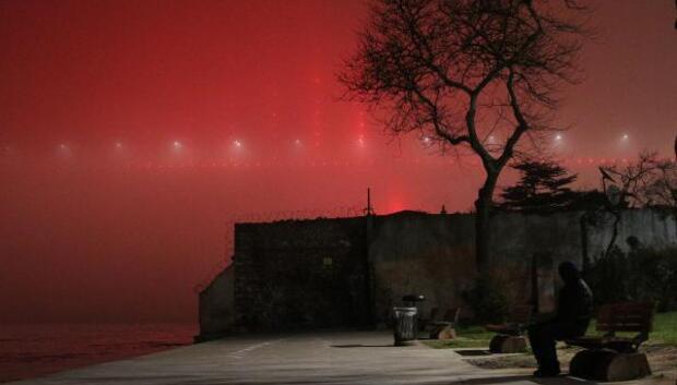 İstanbul Boğazında sis etkili oluyor