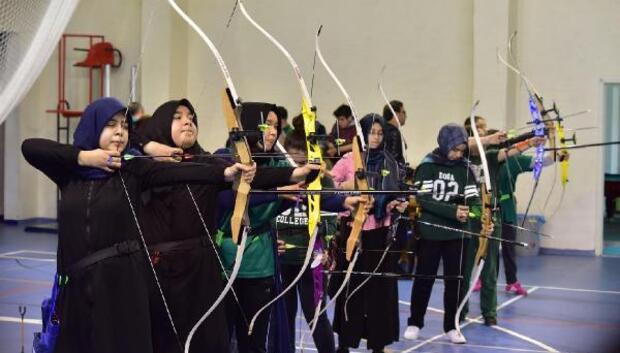 Öğrenciler okçulukta yarıştı