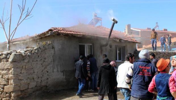 Afyonkarahisarda ev yangını