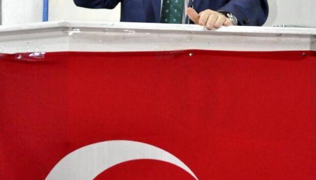 Ümit Özdağ: Hollanda krizinde Başbakan istifasını verdi mi (2)