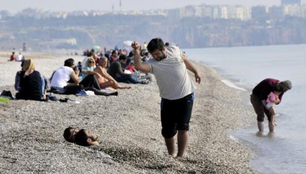 Nusretin fenomen tuz serpme hareketi plaja taşındı