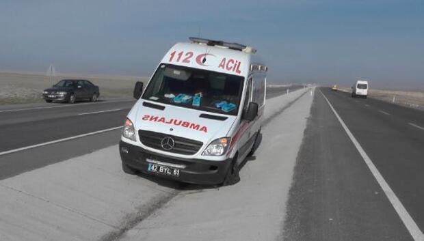 Lastiği patlayan ambulansta, faciadan dönüldü