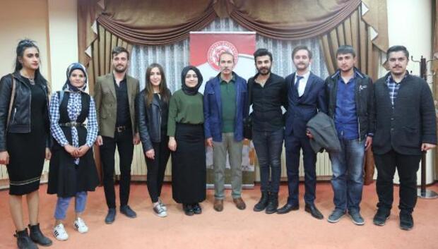 Edebiyat öğrencileri rektörle buluştu