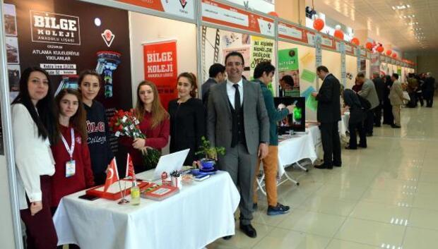 Lise öğrencileri projelerini sergiledi