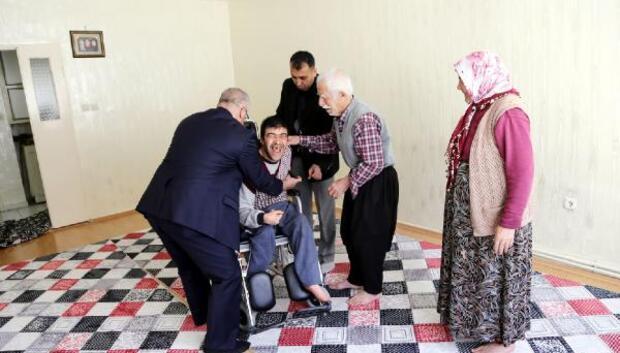 4 engelliye tekerlekli sandalye